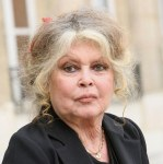 Brigitte Bardot asks the dog meat trade stop