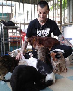 Leo saving pets